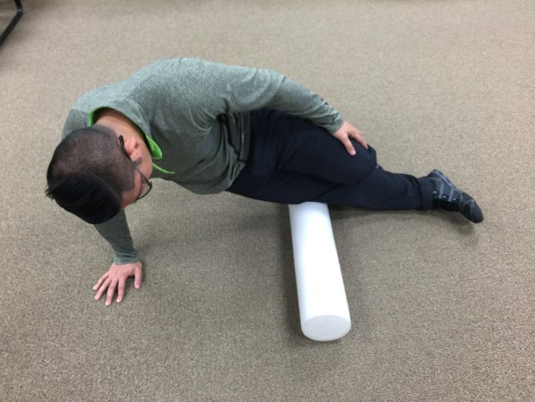 FOam Rolling distal ITB Insetion outside of Knee